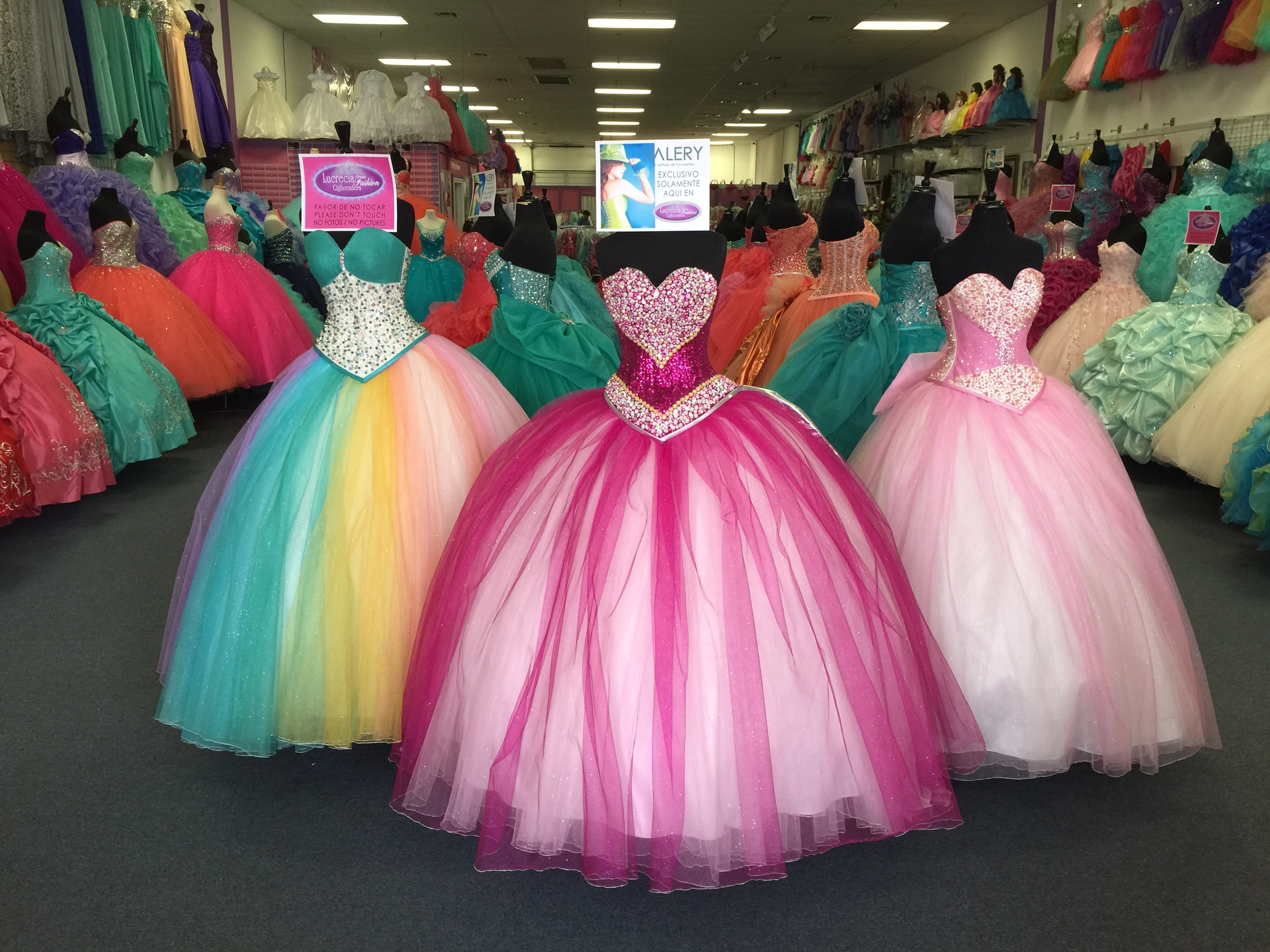 Lucrecia fashion quinceanera dresses in houston my for Decoracion xv anos 2016