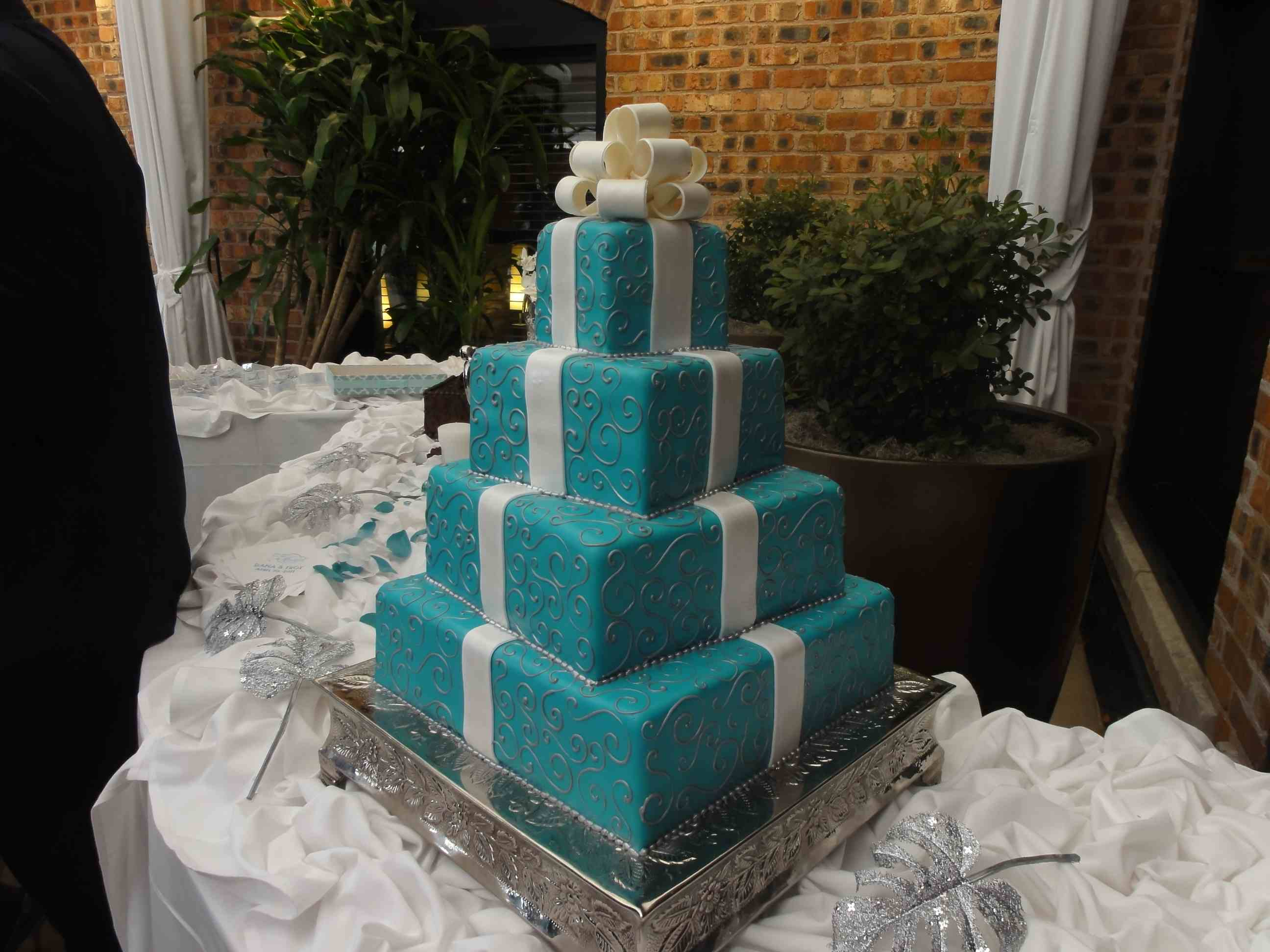 Who Made the Cake Wedding and Quinceanera Cakes in Houston TX